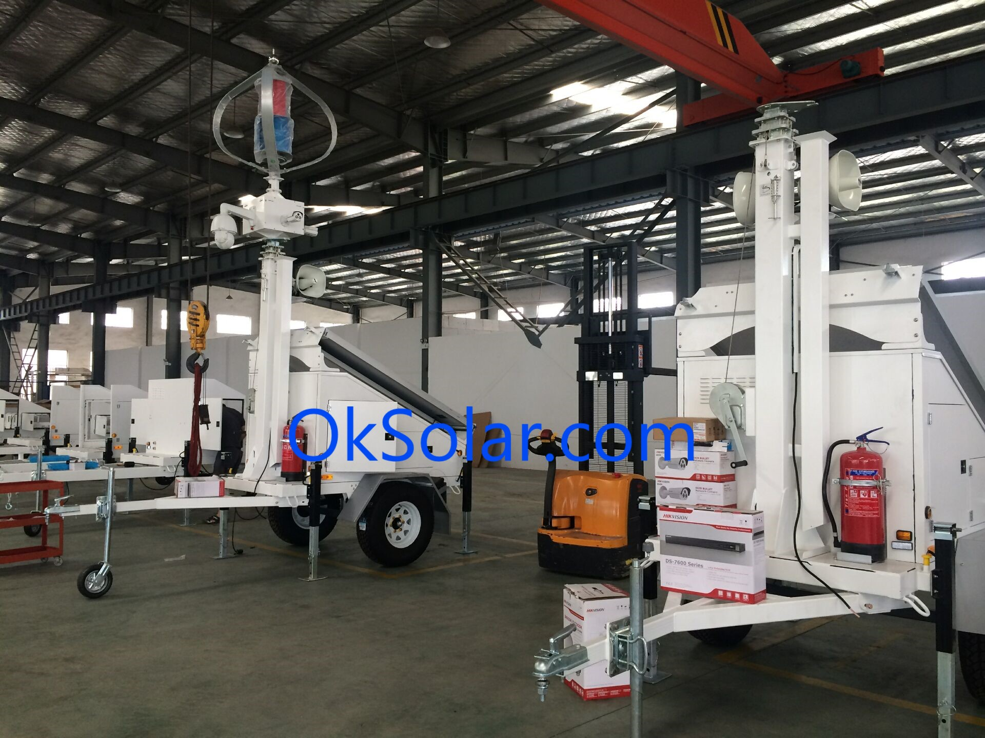 solar light tower, light tower, refugee camps solar light tower, mobile light towers, job site solar light tower, portable solar light towers, solar powered construction light tower.