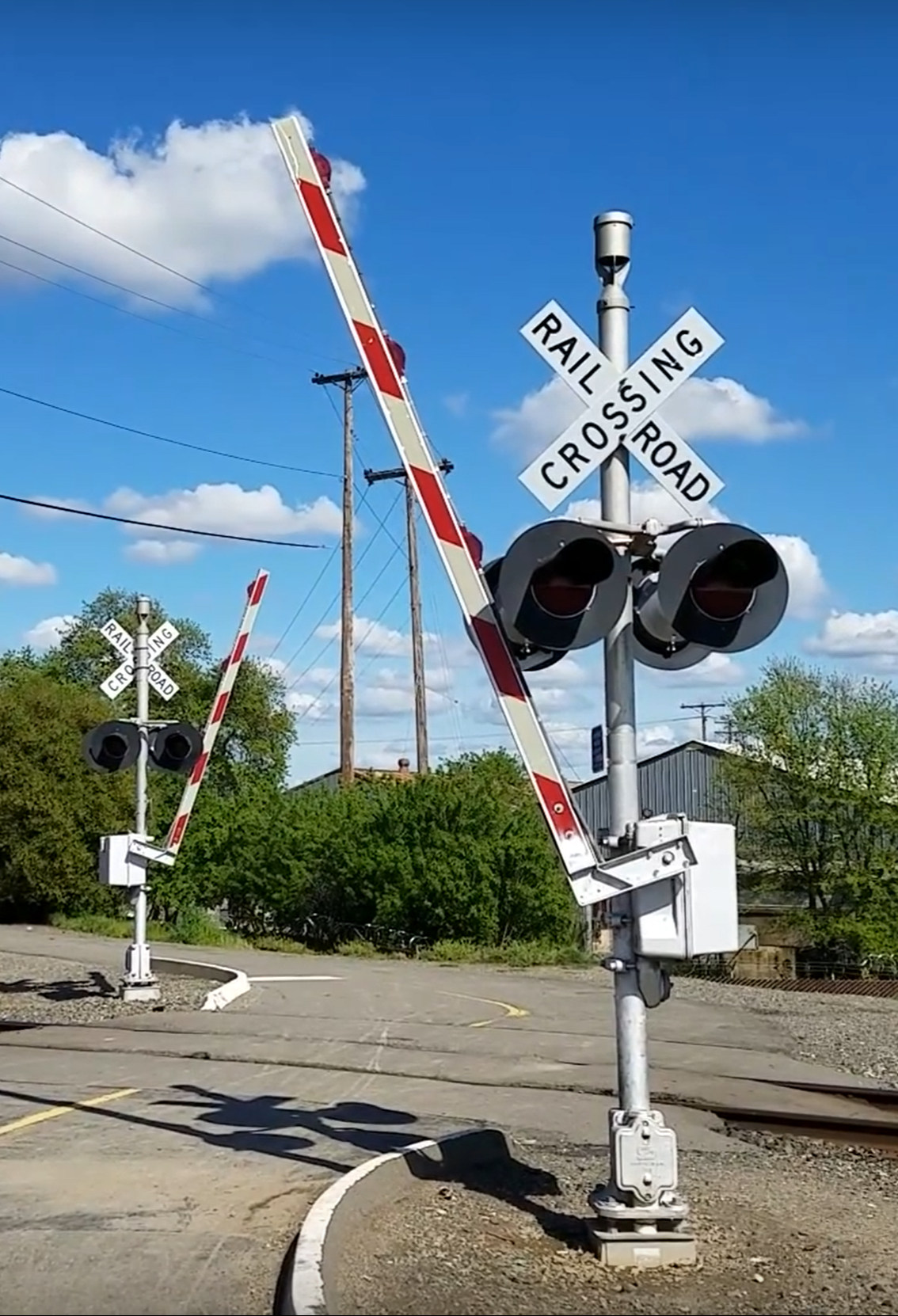 Solar Powered Railroad Crossing Signal | Solar Powered Industrial Railroad Crossing Signal | Industrial Area Crossing Signal.