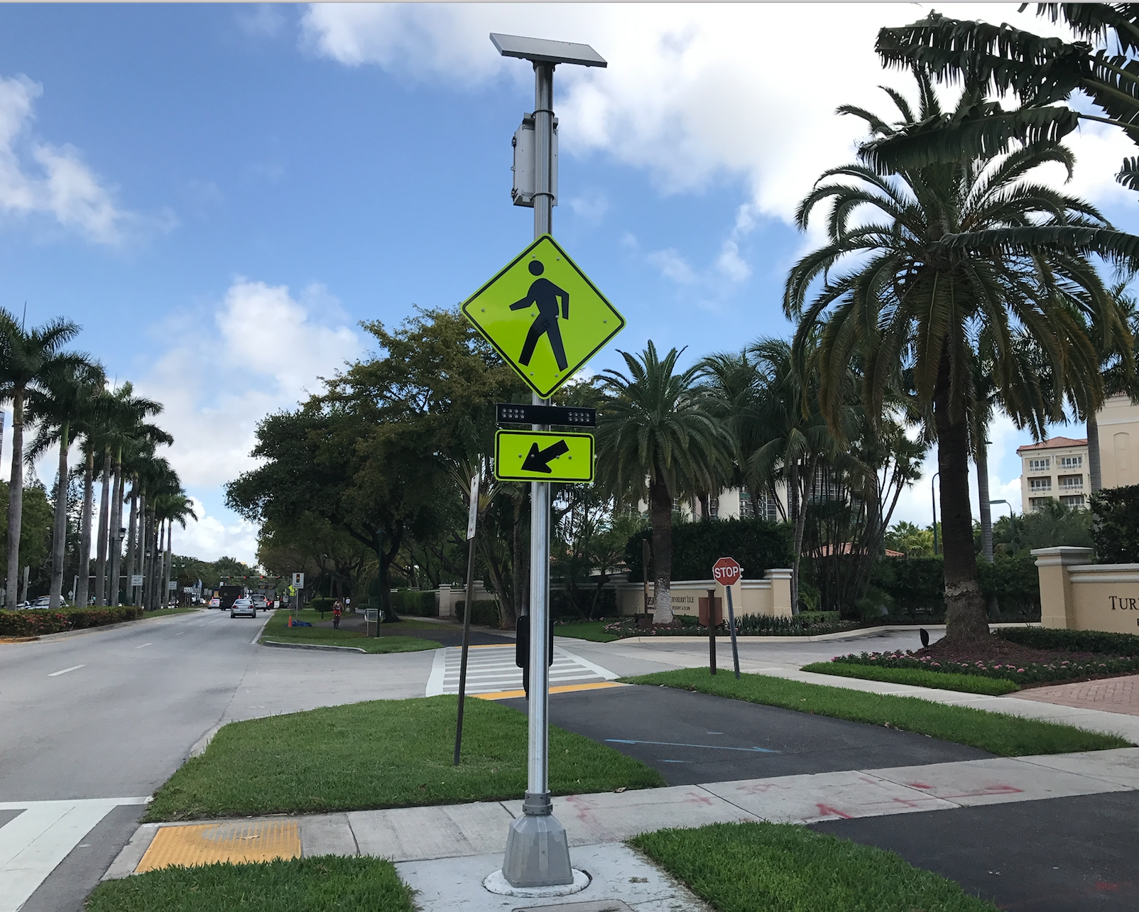 Solar Rectangular Rapid Flashing Beacon, Rectangular Rapid Flash Beacon, Solar-powered LED RRFB‎, Rectangular Rapid Flash Beacon RRFB, Solar Powered Rectangular Rapid Flashing Beacon.