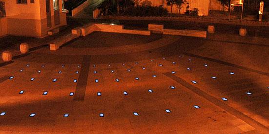 Solar Bricks - Solar Powered Hazard Lights.